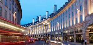 Regent Street uses beacon technology at 100 stores