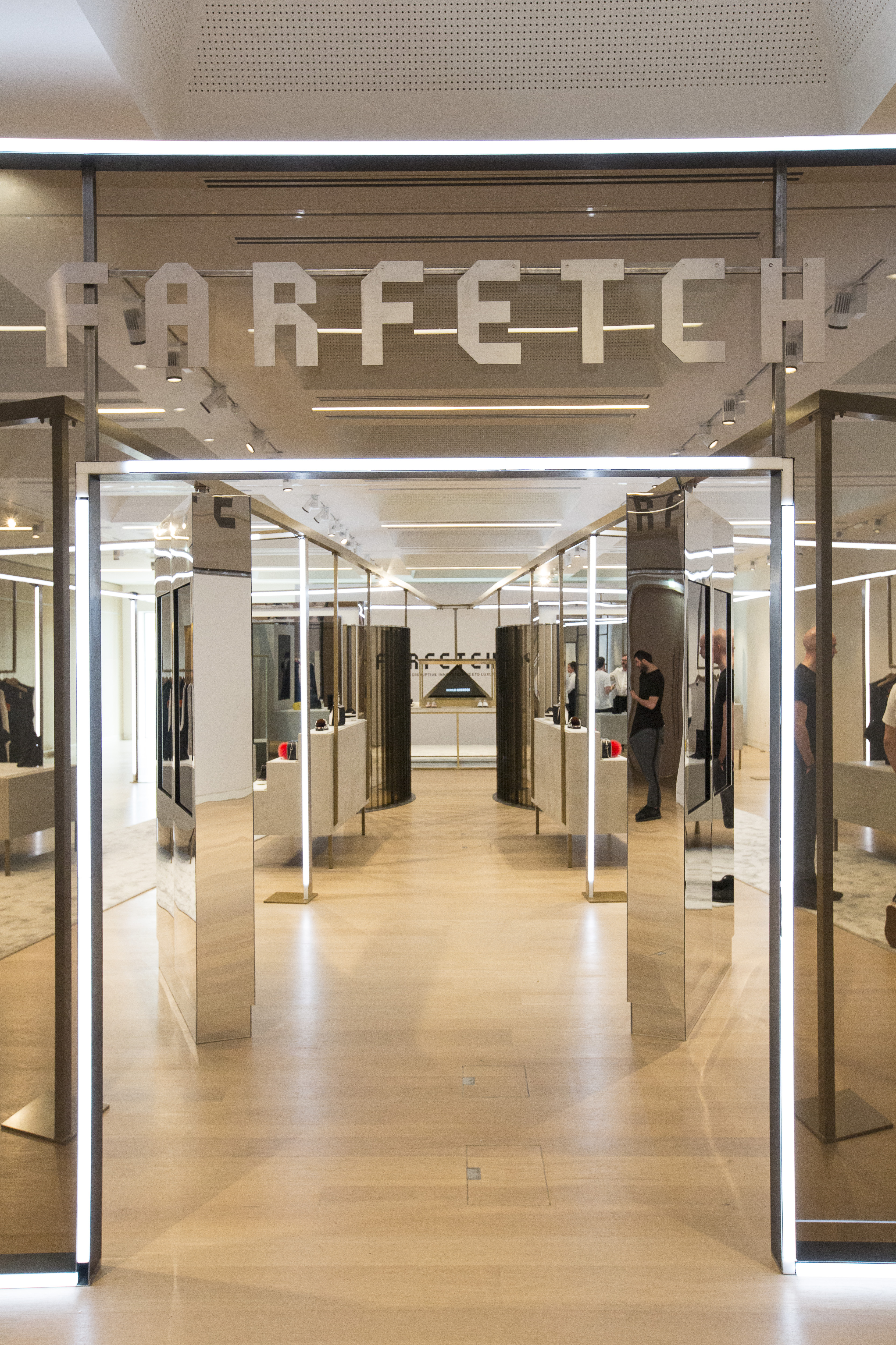 Next Up A Connected Changing Room And Magic Mirror Allows Customers To Try On Their In Store Selection Swap Sizes Or Source Out Of Stock Items Via Other